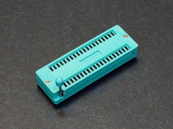 ZIF Socket 40-Pin 0.6″ Wide